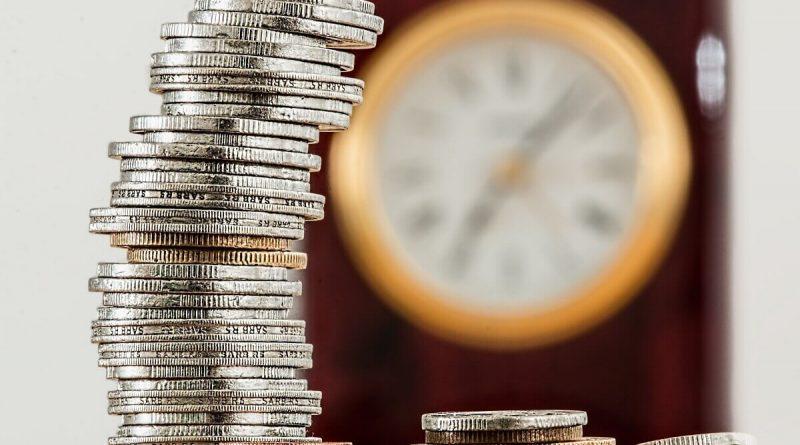 Prečo by ste mali sporiť na rezervu, koľko peňazí potrebujete a ako na to